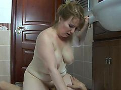 RUSSIAN MATURE FLO 04