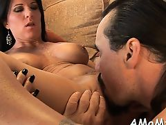 Mommy gets pussy willing for fuck