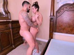 Yiny Leon Wastes No Time - Latina Booty Babe Sex