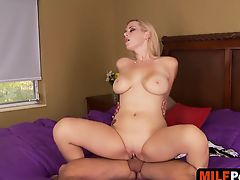Reverse cowgirl riding with milf Kylie Knight