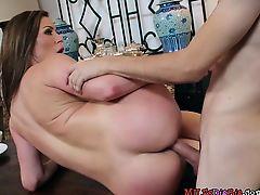 Voluptuous Cougar Kendra Lust Gets Her Cunt Rammed