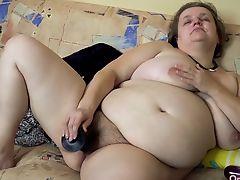 OmaHotel Two old BBW grannies masturbate pussy