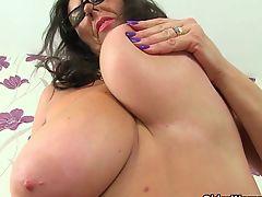 British mature secretaries Lulu Lush and Zadi stripping off