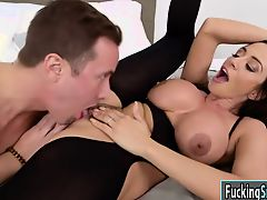 Milf Ariella Ferrera gets a hot cumshot